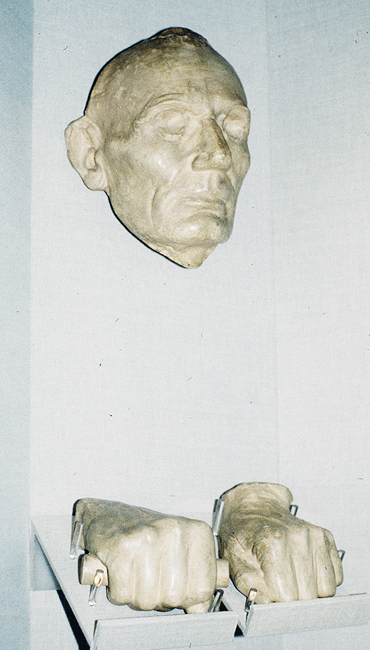Casts of Lincoln's face and hands